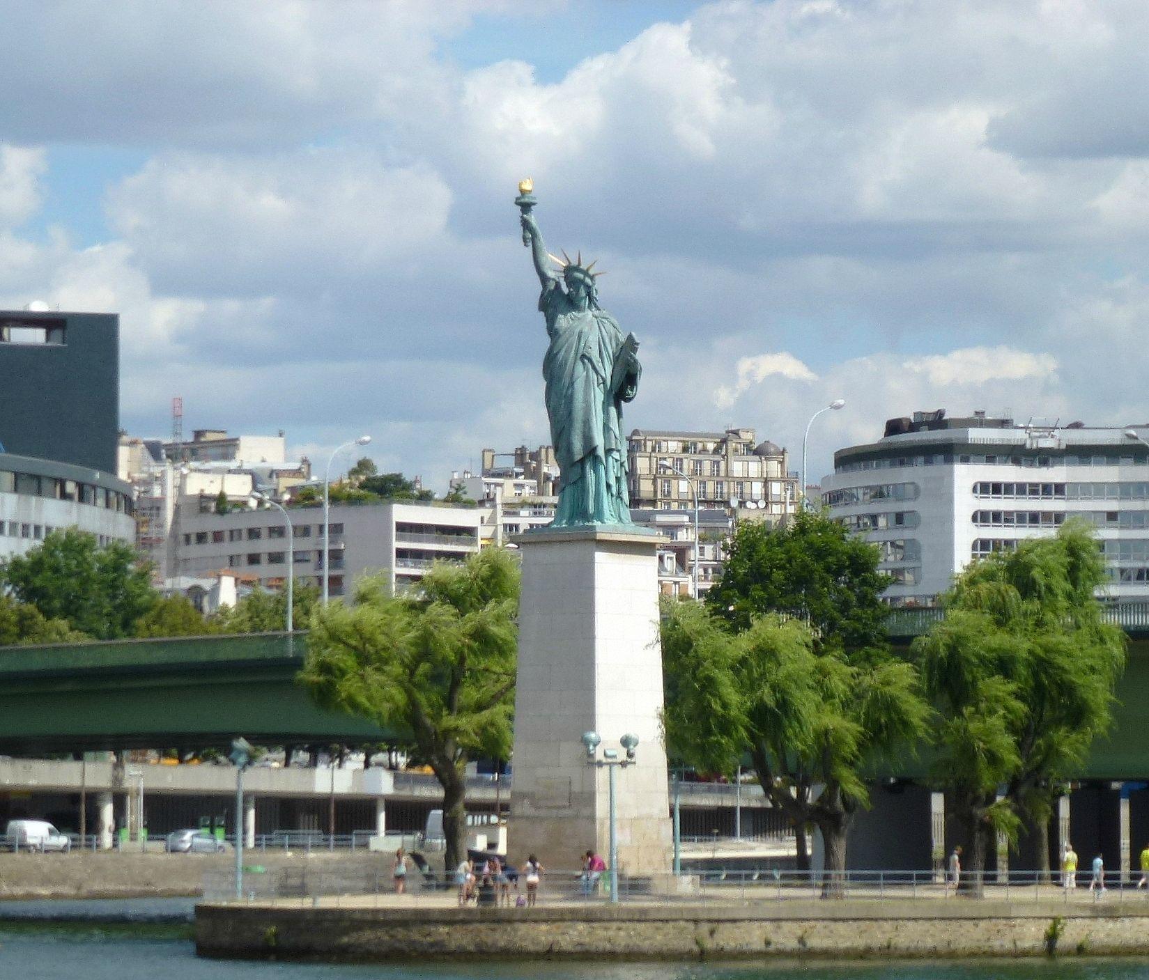 statue de la liberté ile aux cygnes