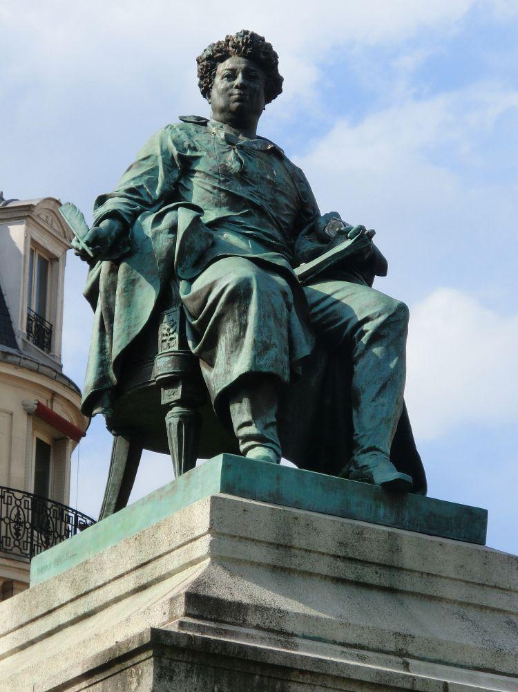 Alexandre Dumas, place Catroux