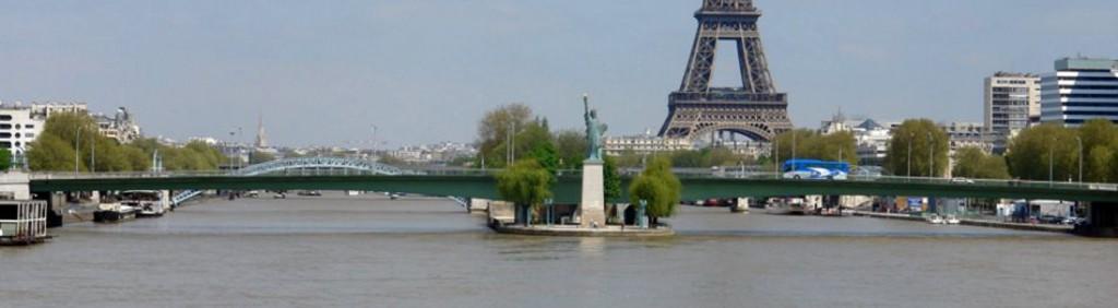 La statue de la Liberté, Île aux Cygnes, Paris.